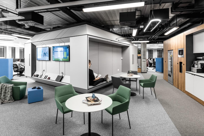 IT Mocny - biuro w Poznaniu - strefa spotkań / wypoczynku