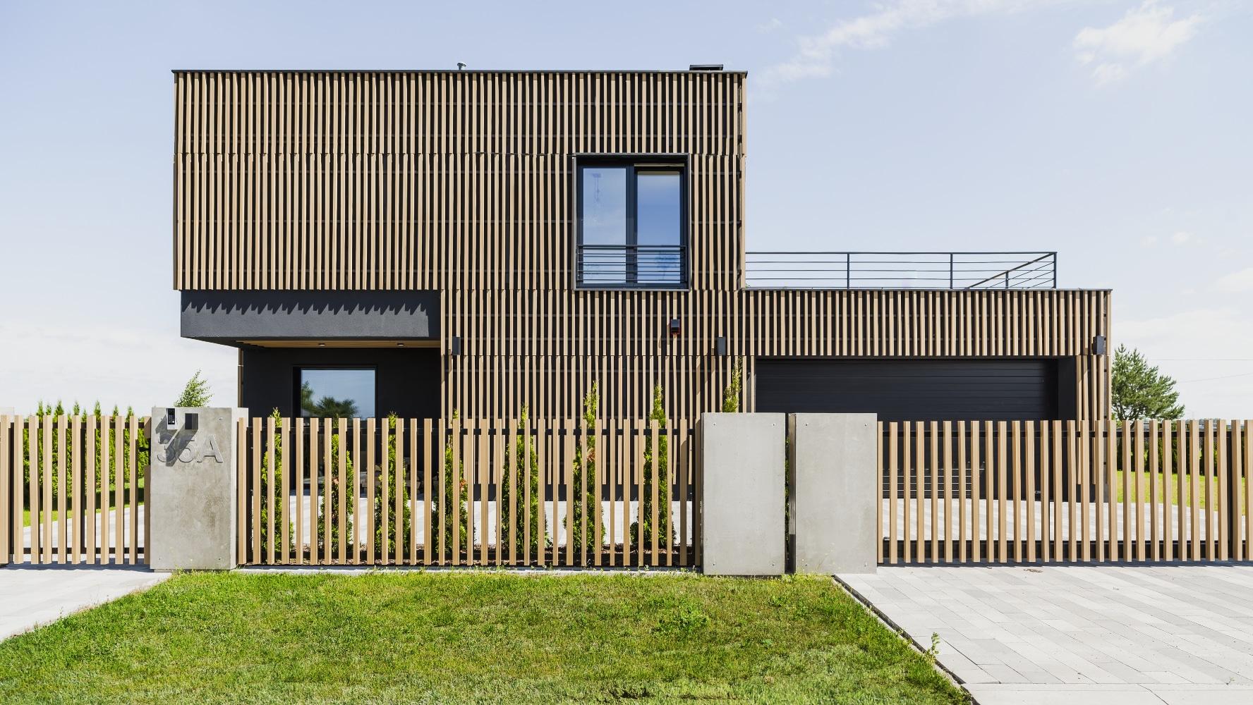 Widok na elewację nowoczesnego domu