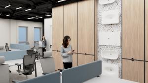 Wnętrze biura open-space Marmite, widok naukład biurek